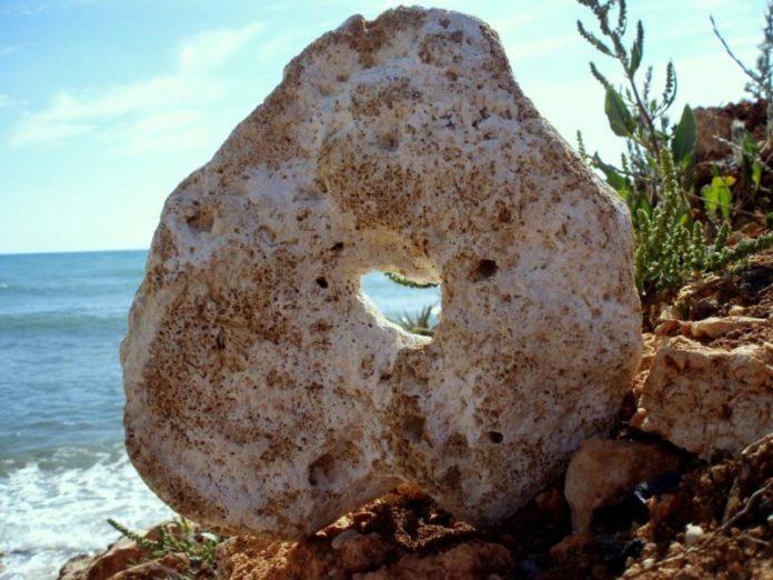Камень «Куриный бог» - магические свойства